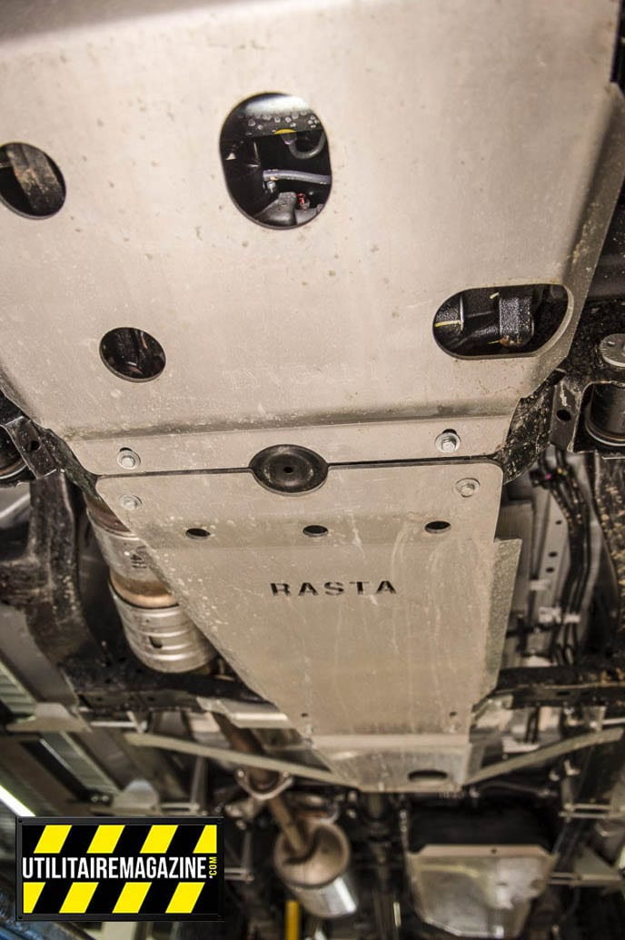Do moteur jusqu'au réservoir, le dessous de notre pick up est totalement protégé