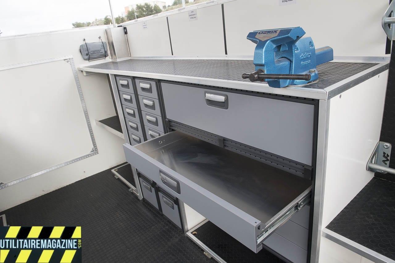 Les larges et profonds tiroirs vont permettre de stocker les outils