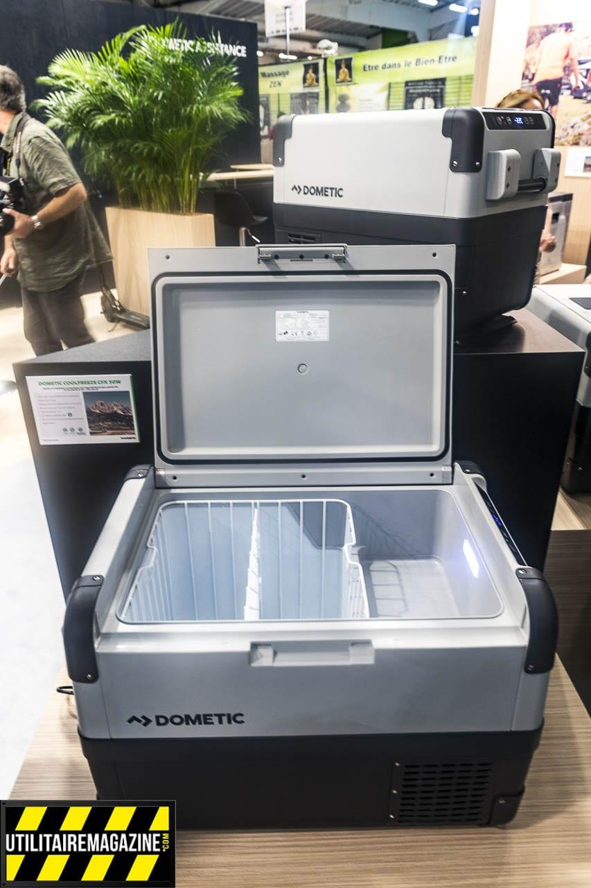 Un format de glacière mais un vrai frigo congélateur jusque -22°C. A brancher sur du 12 V dans l'utilitaire ou du 220 V si vous êtes en intérieur