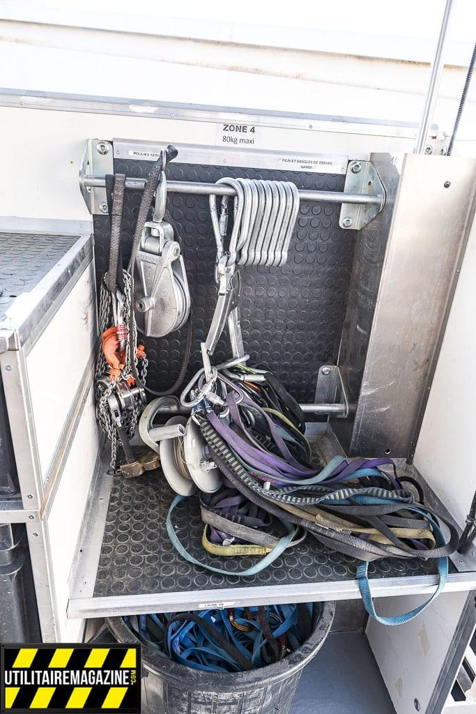 Du matériel spécifique est nécessaire pour l'entretien des lignes à haute tension