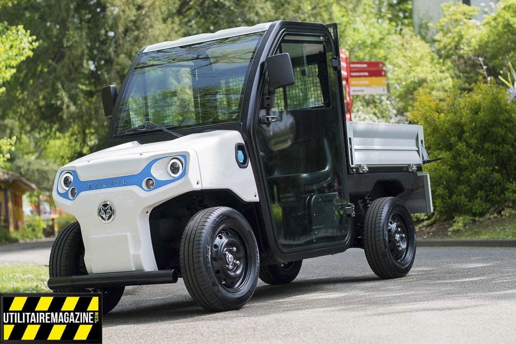 Goupil G2, le petit nouveau de la gamme utilitaire bénéficie d'un nouveau design, il est compact et transporte deux personnes et il dispose d'une benne à l'arrière