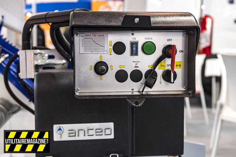 Pas d'électronique dans le boîtier de commande pour une maintenance facilitée et moins de risques de pannes.