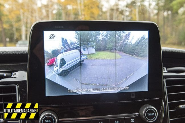 La caméra dispose de deux modes, le standard et le mode large.
