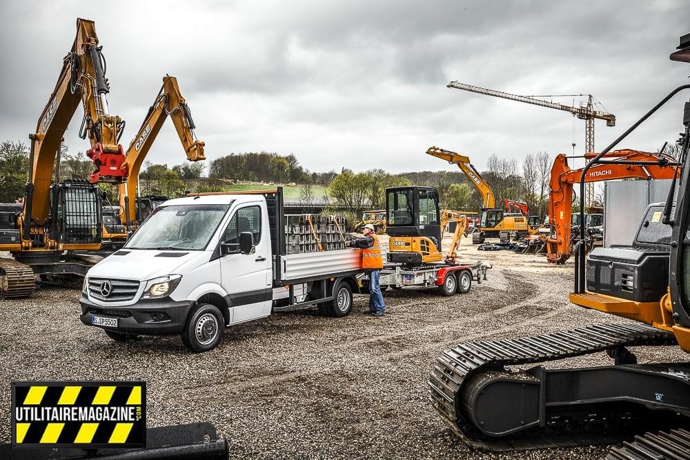 Les Mercedes-Benz Sprinter existent en versions 4.1t 5t et 5.5 tonnes.