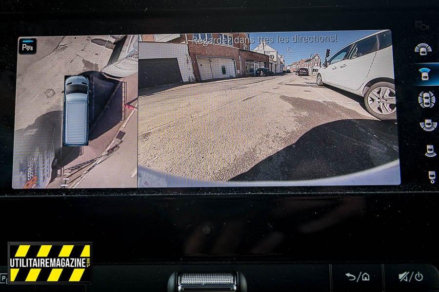 La sécurité avant tout avec le système de caméras à 360° et les détecteurs d'obstacles.