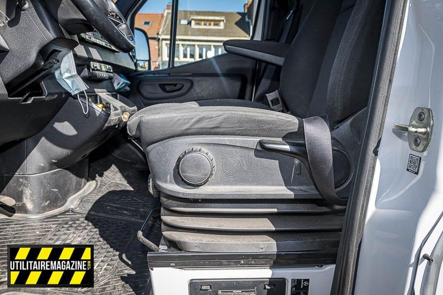 Le siège pneumatique apporte beaucoup de confort surtout quand les salariés sont parfois amenés à effectuer plusieurs centaines de km par jour.