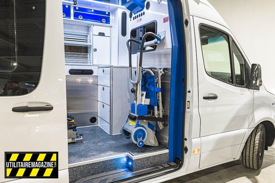 Ce Sprinter est aménagé pour trasnporter et médicaliser des personnes de fort gabarit, appelé aussi ambulance bariatrique