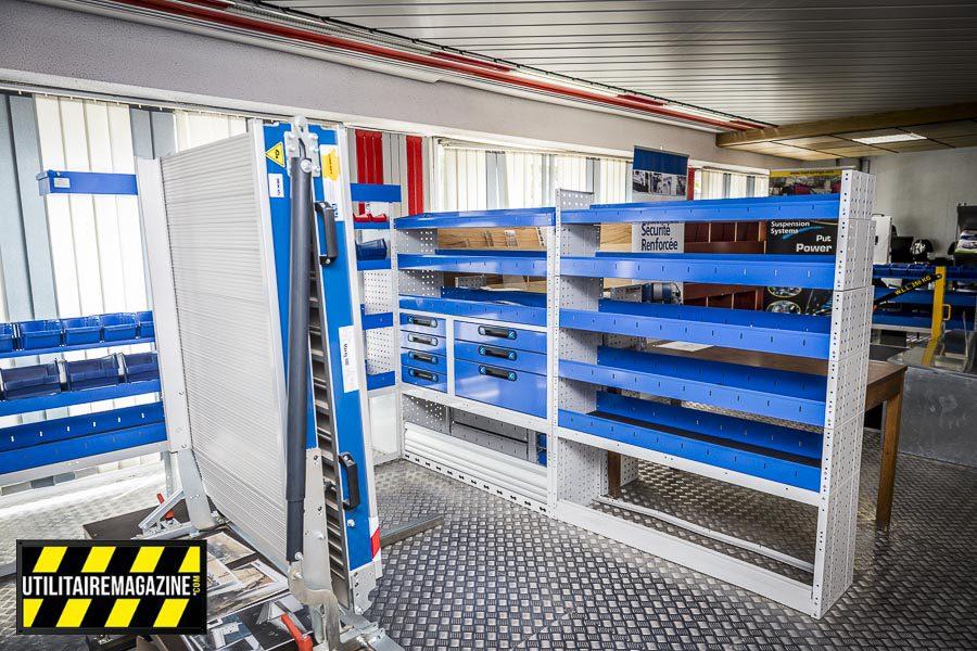Le showroom permet de découvrir la gamme de meubles métalliques et des équipements